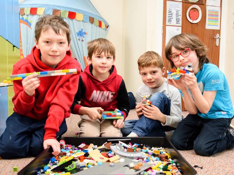 Snug Club Lego